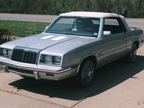 1985 Chrysler LeBaron zu verkaufen