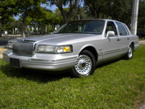 1997 Lincoln Town Car zu verkaufen