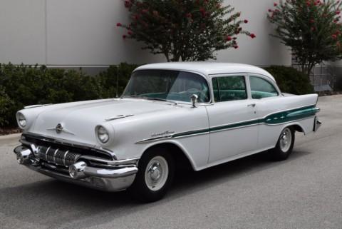 1957 Pontiac Chieftain zu verkaufen