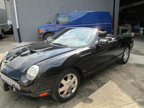 2002 Ford Thunderbird zu verkaufen