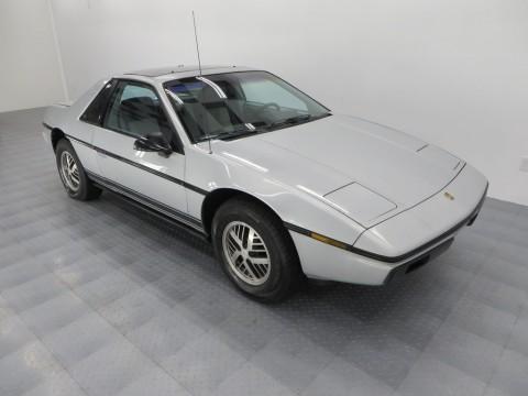 1985 Pontiac Fiero zu verkaufen