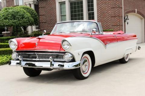 1955 Ford Fairlane Sunliner Convertible zu verkaufen