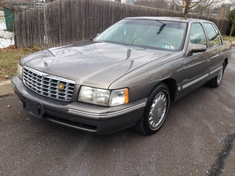 1999 Cadillac DeVille zu verkaufen
