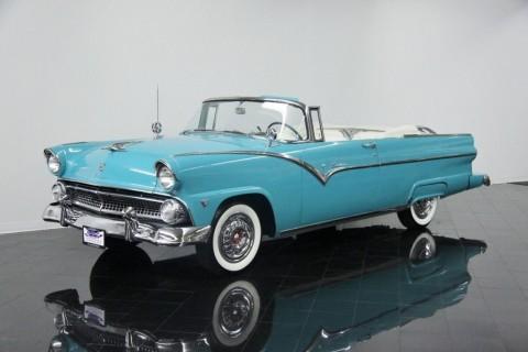 1955 Ford Fairlane Sunliner zu verkaufen