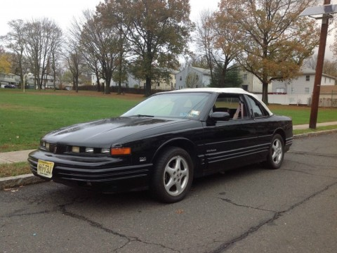 1993 Oldsmobile Cutlass Convertible zu verkaufen