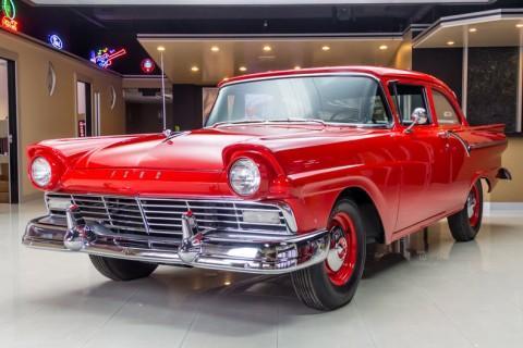 1957 Ford 300 zu verkaufen
