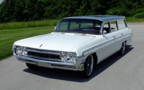 1961 Oldsmobile Dynamic 88 Fiesta zu verkaufen