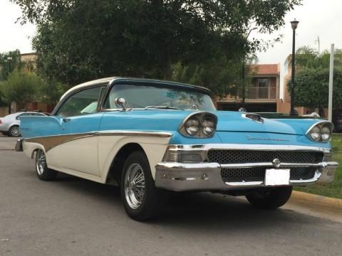 1958 Ford Fairlane 500 zu verkaufen