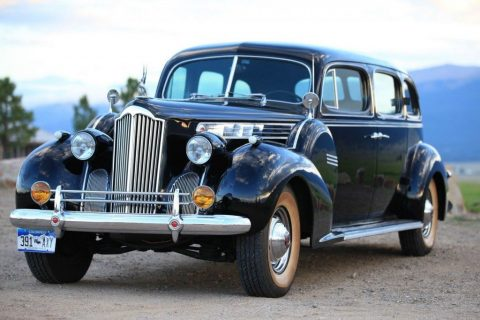 1940 Packard Touring Sedan zu verkaufen