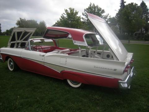 1958 Ford Fairlane Sunliner zu verkaufen