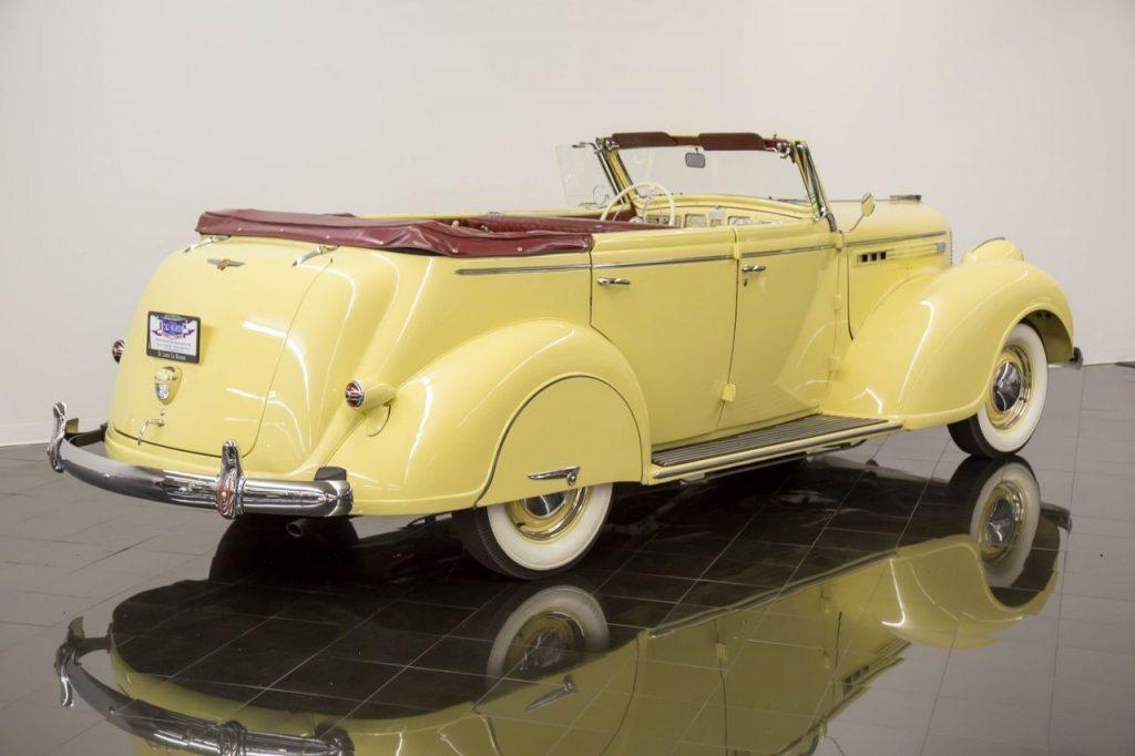 1938 Chrysler Imperial Eight Convertible Sedan
