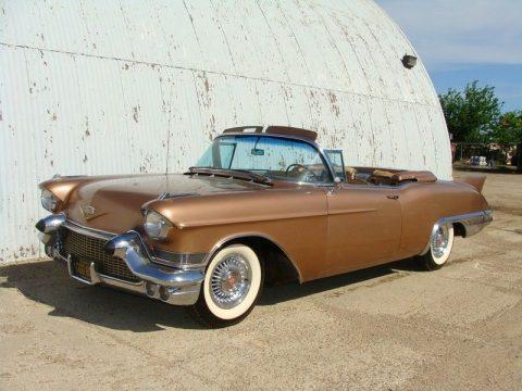 1957 Cadillac Eldorado Biarritz zu verkaufen