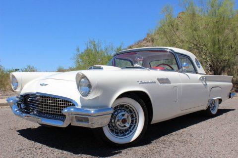1957 Ford Thunderbird zu verkaufen