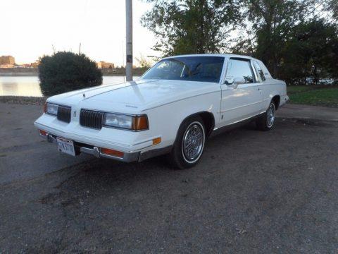 1987 Oldsmobile Cutlass zu verkaufen