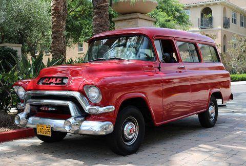 1956 GMC Suburban Deluxe zu verkaufen