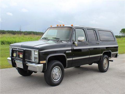 1987 GMC Suburban zu verkaufen