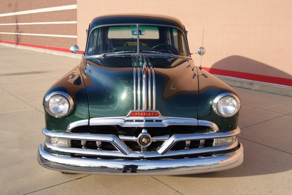 1952 Pontiac Chieftain Deluxe