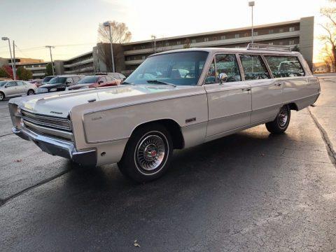 1968 Plymouth Suburban zu verkaufen