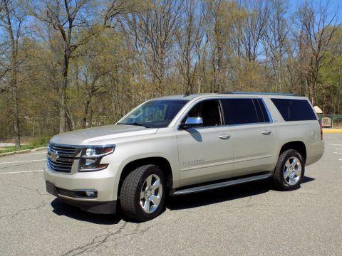 2015 Chevrolet Suburban zu verkaufen