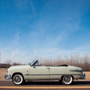 1951 Ford Custom Deluxe zu verkaufen