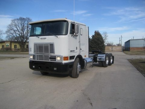 1999 International 9800 zu verkaufen