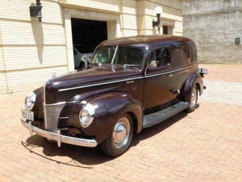 1940 Ford Deluxe Sedan zu verkaufen