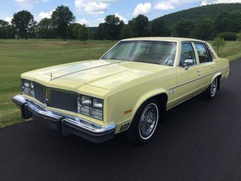 1977 Oldsmobile Ninety-Eight Regency zu verkaufen