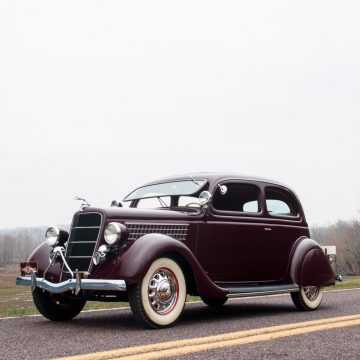 1935 Ford Tudor Deluxe zu verkaufen