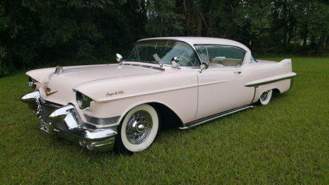 1957 Cadillac Coupe DeVille zu verkaufen
