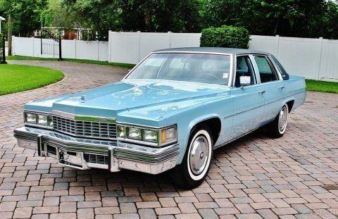 1977 Cadillac Sedan DeVille zu verkaufen