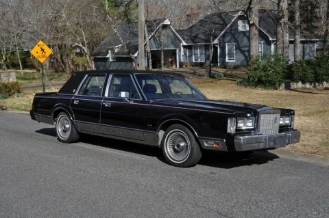 1987 Lincoln Town Car zu verkaufen