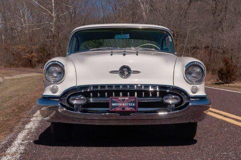 1955 Oldsmobile 98 Holiday Coupe zu verkaufen