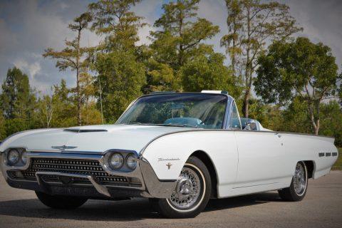 1962 Ford Thunderbird zu verkaufen