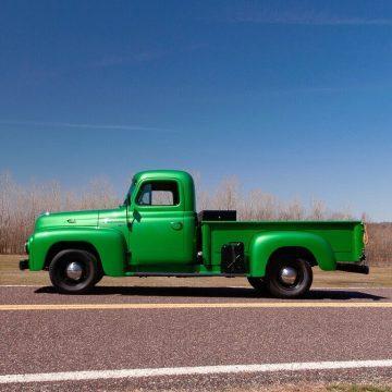 1952 International Harvester R-110 zu verkaufen