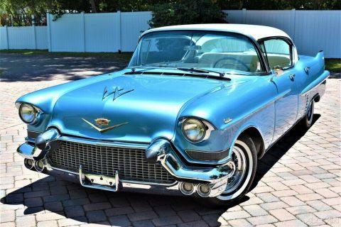 1957 Cadillac Sedan DeVille zu verkaufen