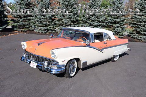 1956 Ford Fairlane Sunliner zu verkaufen