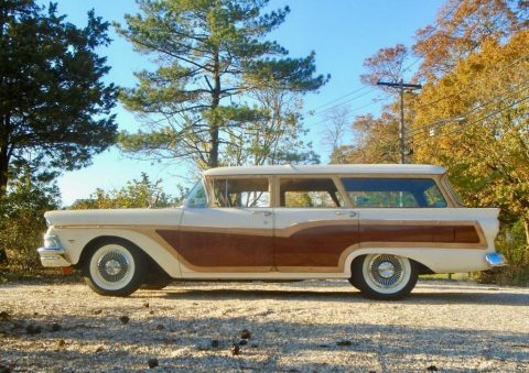 1958 Ford Country Squire Wagon zu verkaufen