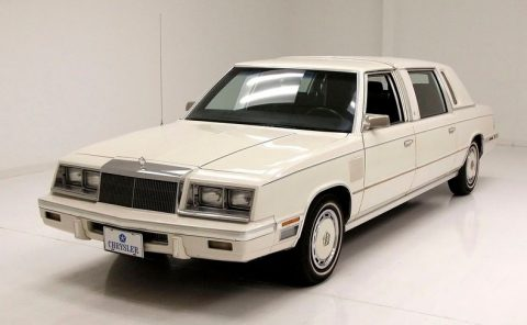 1985 Chrysler Executive Limo zu verkaufen