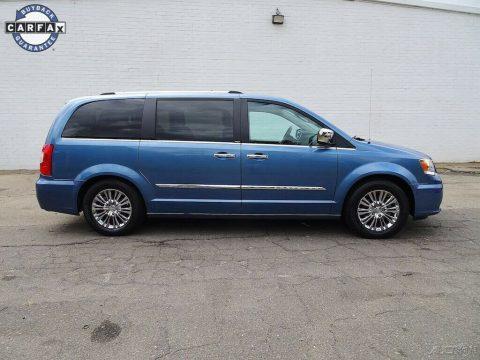 2011 Chrysler Town & Country zu verkaufen