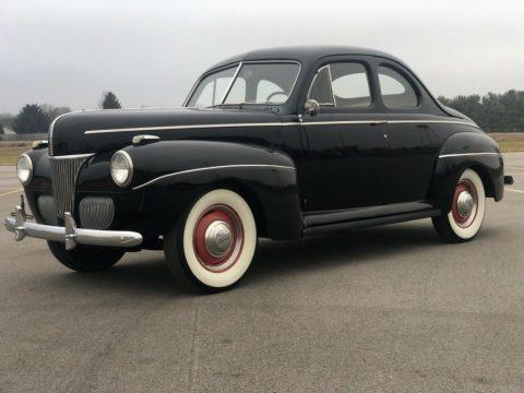 1941 Ford Deluxe zu verkaufen