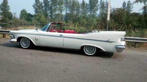 1961 Imperial Crown Convertible zu verkaufen