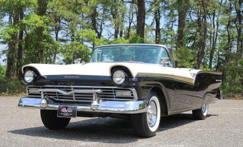 1957 Ford Fairlane zu verkaufen