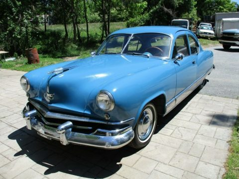 1951 Kaiser Deluxe zu verkaufen